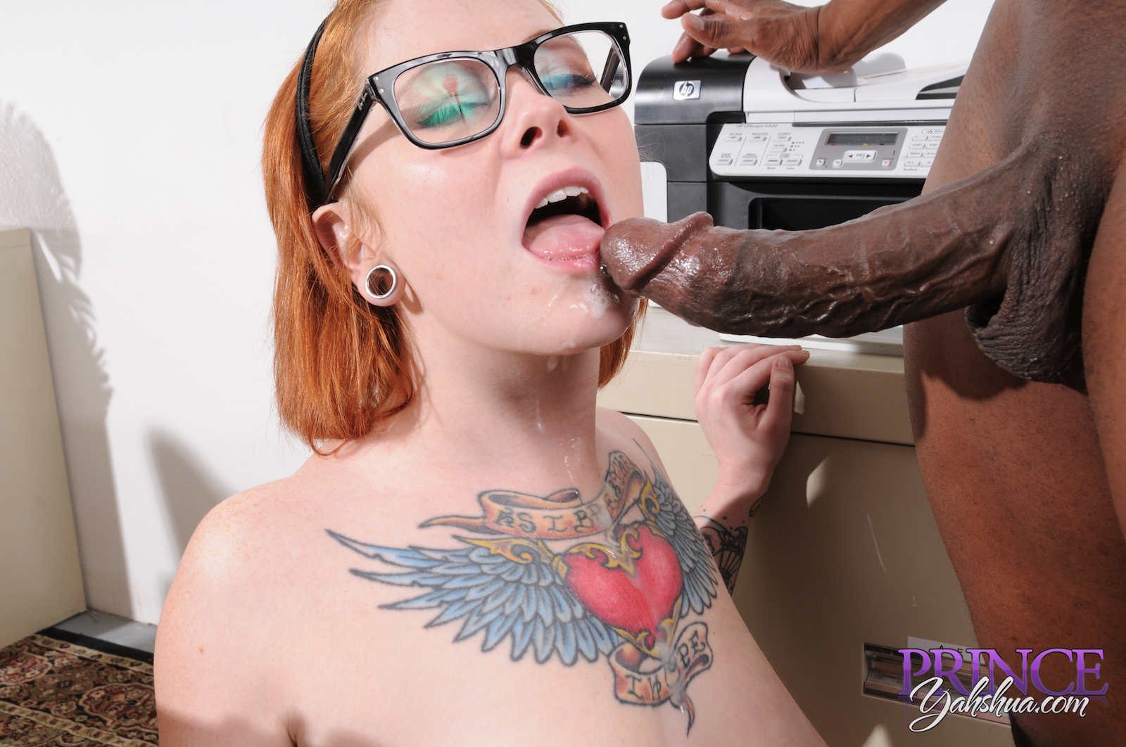 Juicy sweet draven star loves a fat cock to fuck